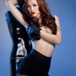 Nữ ca sĩ Maya nude gợi cảm ra mắt album mới