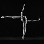 Tư thế nude yoga đứng