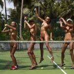 Kiều nữ khỏa thân quảng cáo cho hãng vợt tennis Dunlop