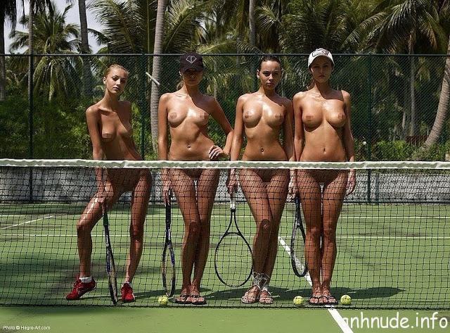 kieu-nu-khoa-than-dong-quang-cao-tren-san-tennis-4218288