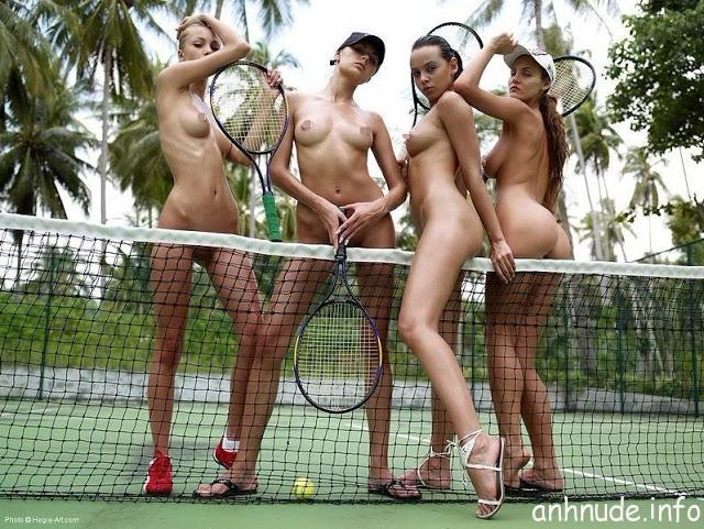 kieu-nu-khoa-than-dong-quang-cao-tren-san-tennis-60ebb96