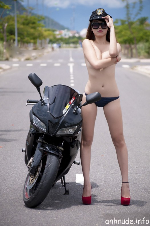 Nude_nghe_thuat_2