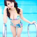 Nữ sinh Hà thành 'thiêu đốt' ánh nhìn với bikini nóng bỏng