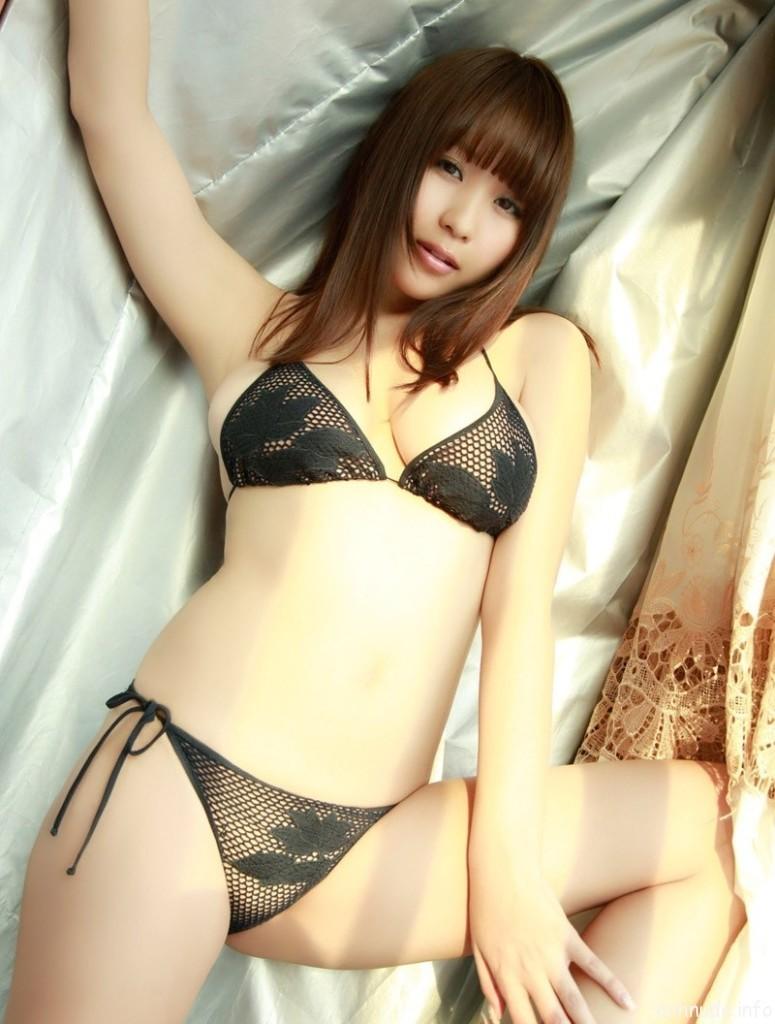 Người mẫu châu Á 3