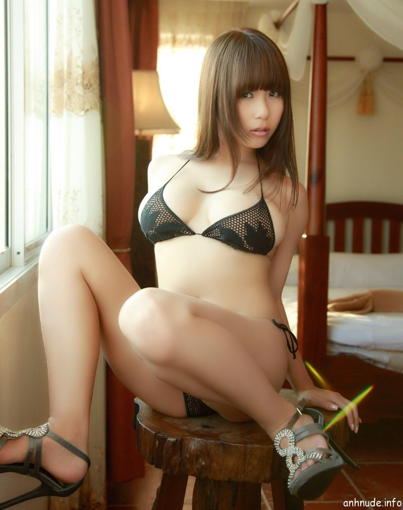 Người mẫu châu Á 11