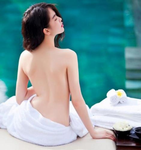 Ảnh nude - Ngọc Trinh quảng cáo cho 1 hãng Spa